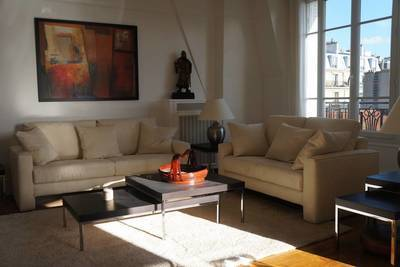 Location meublée appartement 3pièces 70m² Paris 18E - 2.990€