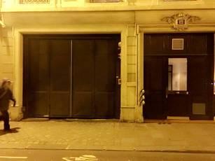 Location garage, parking Paris 10E - 180€