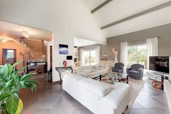 Vente maison 225m² Ferolles-Attilly (77150) - 780.000€