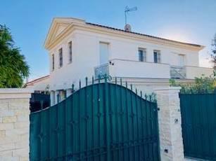 Vente maison 170m² Antibes - 890.000€