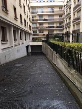 Location garage, parking Paris 15E - 110€