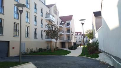 Location appartement 3pièces 71m² Villeneuve-La-Garenne (92390) - 1.165€