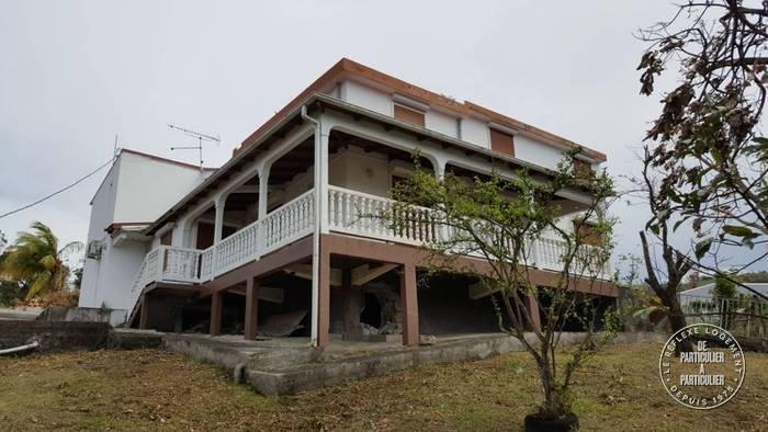 Vente maison 10 pièces Gourbeyre (97113)