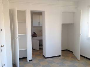 Location studio 25 m² Marseille 7E - 470 €