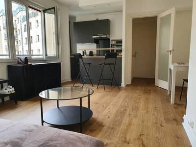 Location meublée studio 30m² Paris 16E - 1.165€