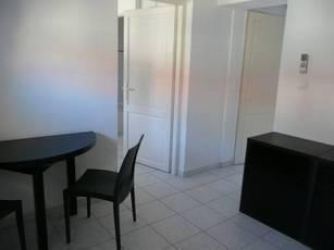 Location appartement 2pièces 24m² Marseille 7E - 470€