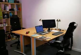 Location bureaux et locaux professionnels 70m² Paris 18E - 290€