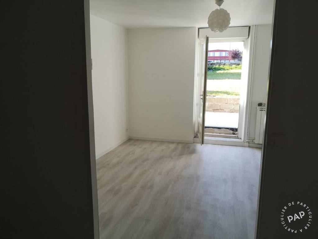 Location Appartement Boussac 70 m² 450 €