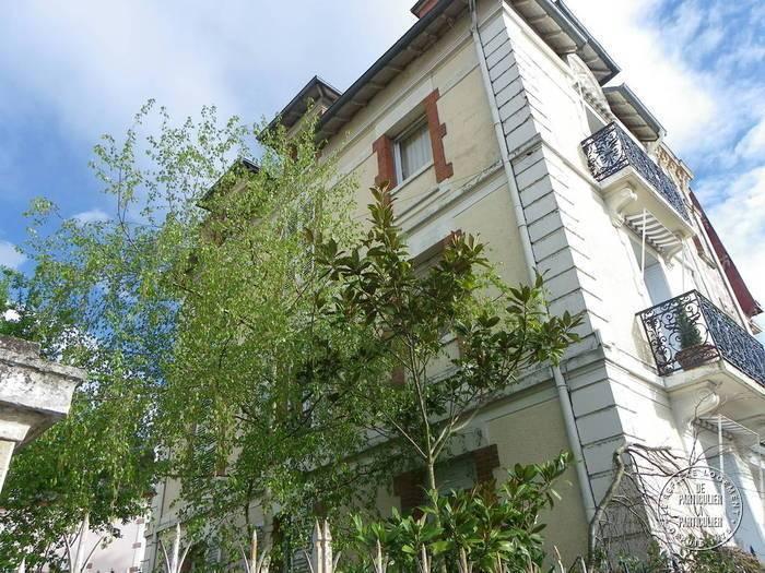 vente maison 210 m vichy 03200 210 m de particulier particulier pap. Black Bedroom Furniture Sets. Home Design Ideas