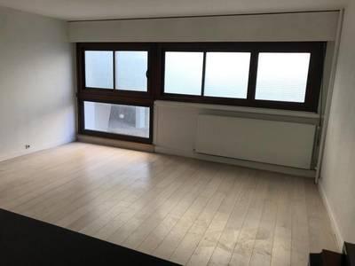 Location appartement 3pièces 60m² Paris 15E - 1.700€