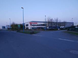 Location local d'activité 3.220m² Servon (77170) - 18.000€