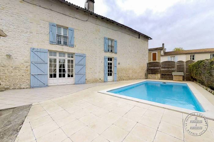 Vente Maison À 10 Min Jonzac 180m² 174.000€