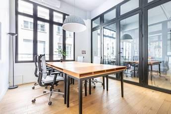 Bureaux, local professionnel Paris 8E - 30m² - 3.000€