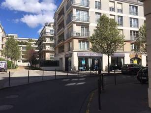 Location ou cession local commercial 85 m² Vincennes (94300) - 1.980 €