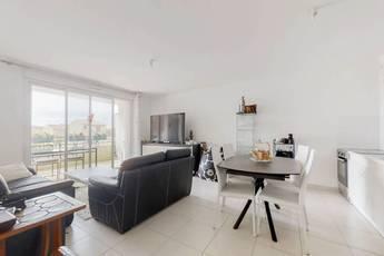 Vente appartement 4pièces 75m² La Londe-Les-Maures (83250) - 326.000€
