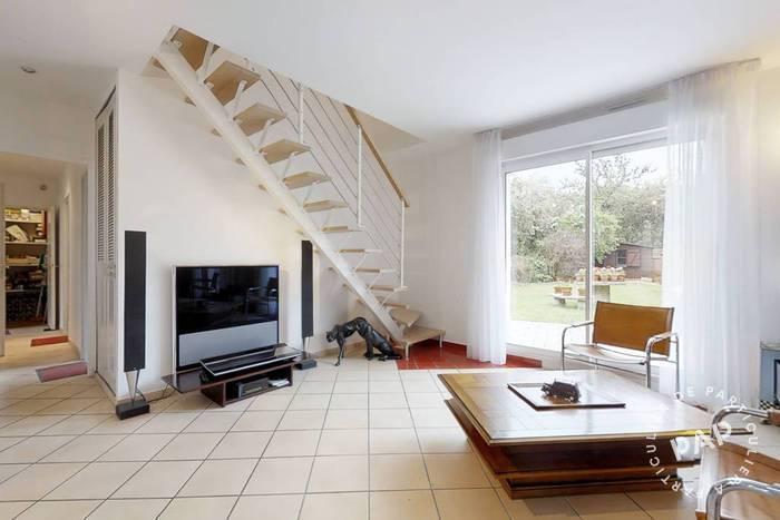 Vente immobilier 654.000€ Montigny-Le-Bretonneux (78180)