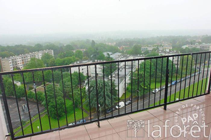 Appartement 897€ 74m² Evry (91000)