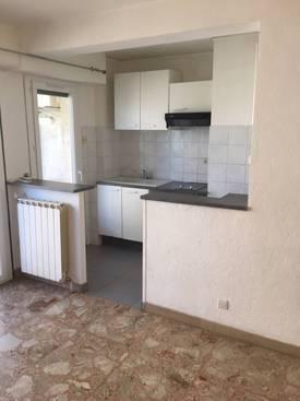 Location appartement 2pièces 40m² Marseille 4E - 650€