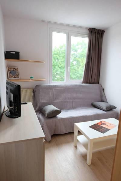 Location meublée studio 15m² Brou-Sur-Chantereine (77177) - 576€