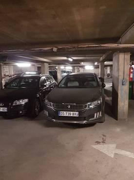 Location garage, parking Paris 10E - 85€