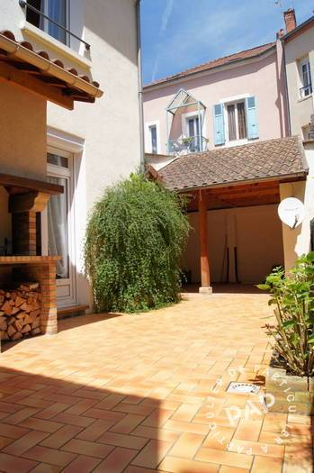 vente maison 135 m vichy 03200 135 m de particulier particulier pap. Black Bedroom Furniture Sets. Home Design Ideas