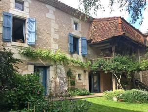 Vente maison 304m² Saint-Leon-Sur-L'isle (24110) - 381.600€