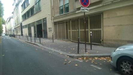 Location garage, parking Paris 18E - 130€