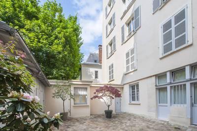 Location appartement 2pièces 52m² Paris 6E - 2.400€