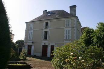 Vente maison 265m² 5 Min Angoulême - 390.000€