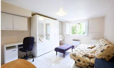 Location meublée appartement 2pièces 26m² Sainte-Genevieve-Des-Bois (91700) - 690€