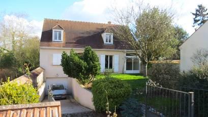 Location maison 141m² Courcouronnes (91080) - 1.590€