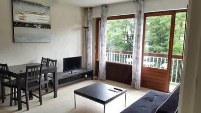 Location meublée studio 35m² Saint-Julien-En-Genevois (74160) - 660€