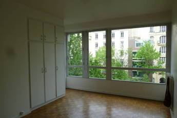 Location studio 45 m² Paris 14E - 1.575 €