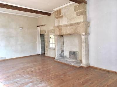 Location appartement 4pièces 116m² Remoulins (30210) - 900€