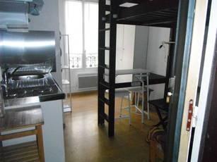 Location meublée studio 15m² Paris 10E - 700€