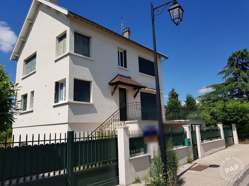 Location Appartement Cergy (95) 15 m² 554 €