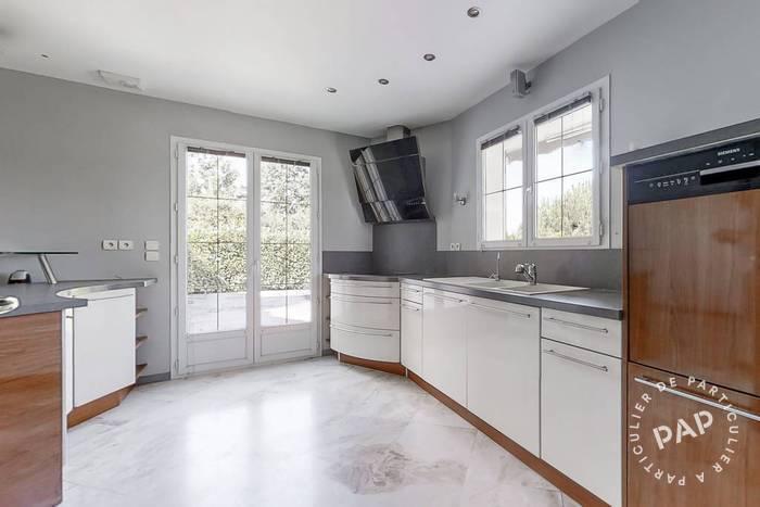 Maison Villevaudé 720.000€