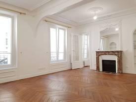 Location appartement 3pièces 54m² Paris 17E - 1.900€