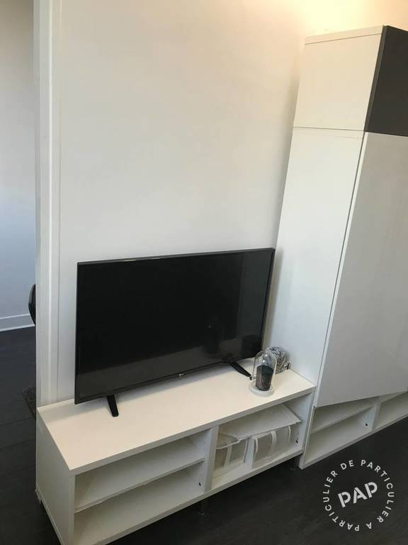 Appartement Paris 8E 900€