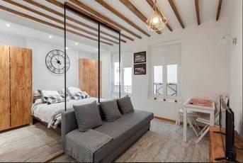 Location meublée studio 25m² Paris 18E - 1.200€