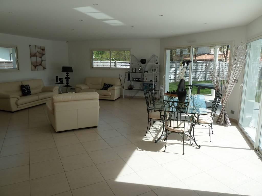 Vente immobilier 720.000€ Martignas-Sur-Jalle (33127)