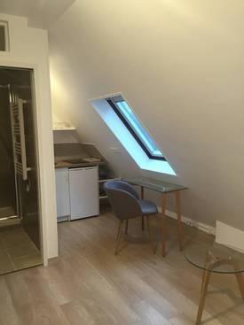 Location meublée studio 15m² Paris 7E - 930€