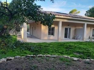 Location maison 70m² Venelles - 1.190€