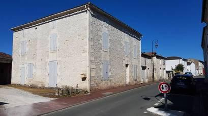 Vente maison 243m² Meursac (17120) - 180.000€