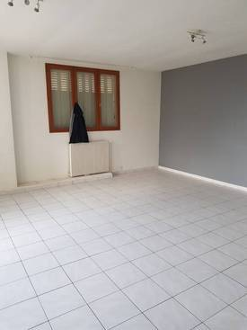 Location appartement 3pièces 82m² Le Blanc-Mesnil (93150) - 1.090€