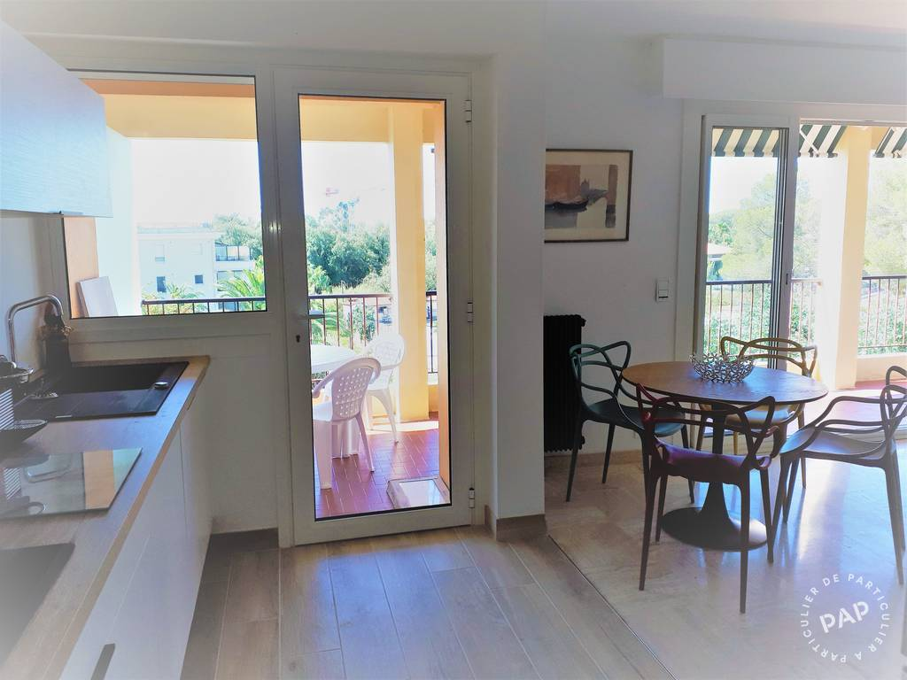 Location Appartement Saint-Raphael (83) 54 m² 900 €