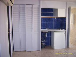 Location studio 25 m² Marseille 11E - 480 €
