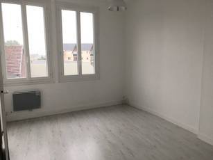 Location appartement 2pièces 29m² Gournay-En-Bray (76220) - 328€