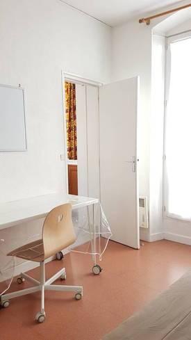 Location meublée studio 17m² Paris 17E - 720€