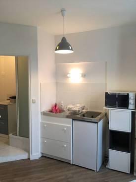 Location meublée chambre 10m² Paris 16E - 601€